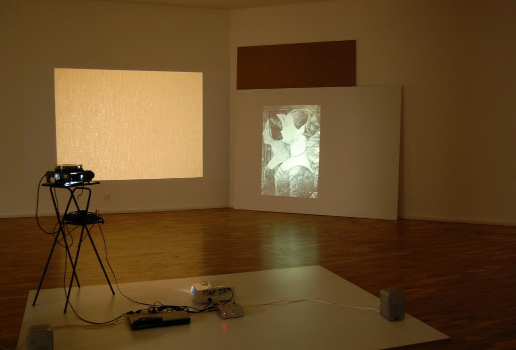 """""""Per quanto mi riguarda (with and for a text by Ketty la Rocca)"""", 2012, Installationsansicht der Ausstellung """"Lieber Aby Warburg - Was tun mit Bildern?"""", Museum für Gegenwartskunst Siegen, 2012, Foto: Eske Schlüters"""